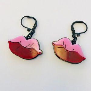 Betsey Johnson Lips 👄 Drop Earrings